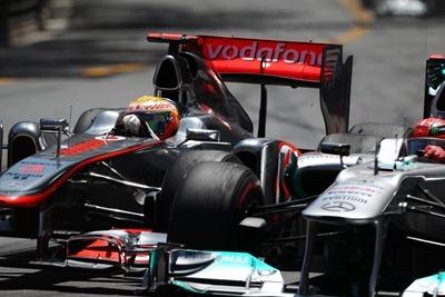 Adelantamiento de Hamilton a Schumacher