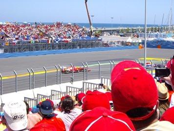 Alonso atacando a Webber