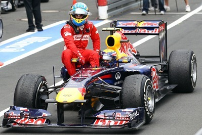 f1-2011-10-alemania-webber-taxista-alonso