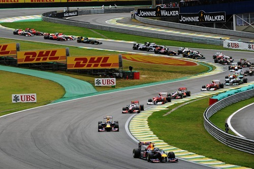 f1-2011-19-brasil-s-senna-salida
