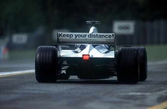 f1-2001-williams-bmw-keep-your-distance