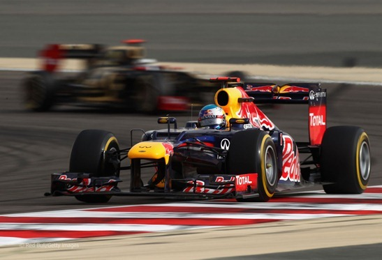 Vettel perseguido por Raikkonen