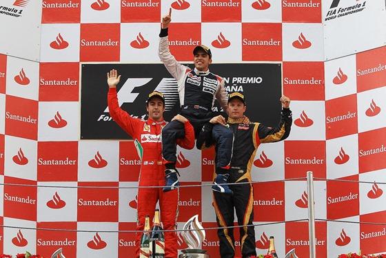 f1-2012-05-spain-maldonado-podio-hombros