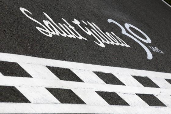 Homenaje a Gilles Villeneuve en la línea de meta (Circuito de Montreal)
