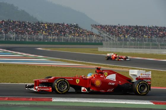 Alonso seguido por Massa