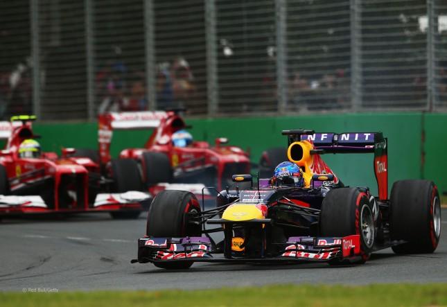 Ferraris luchando detrás de Vettel