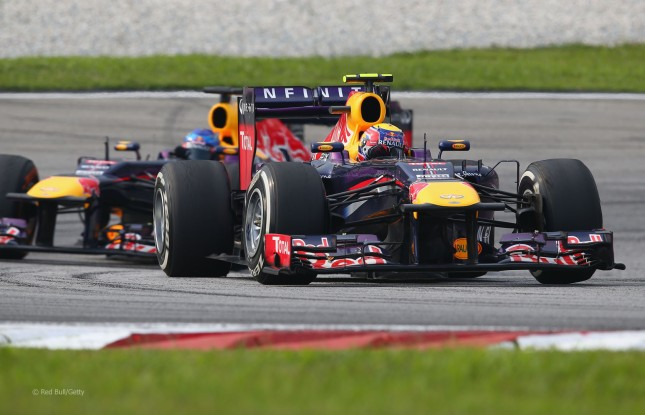 Webber delante de Vettel (GP Malasia 2013)