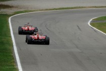 Fernando Alonso adelantando a su compañero Felipe Massa (GP Italia, 2013)