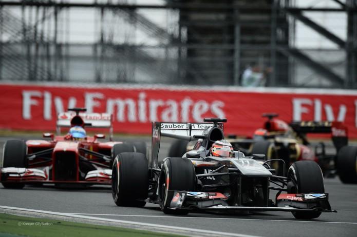 Hulkenberg defendiendo posición con Alonso (GP Corea, 2013)