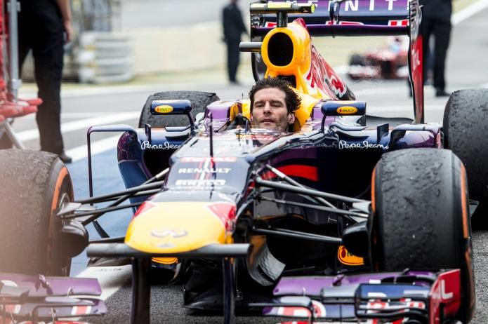 Mark Webber sin casco en la vuelta de honor del GP Brasil, 2013